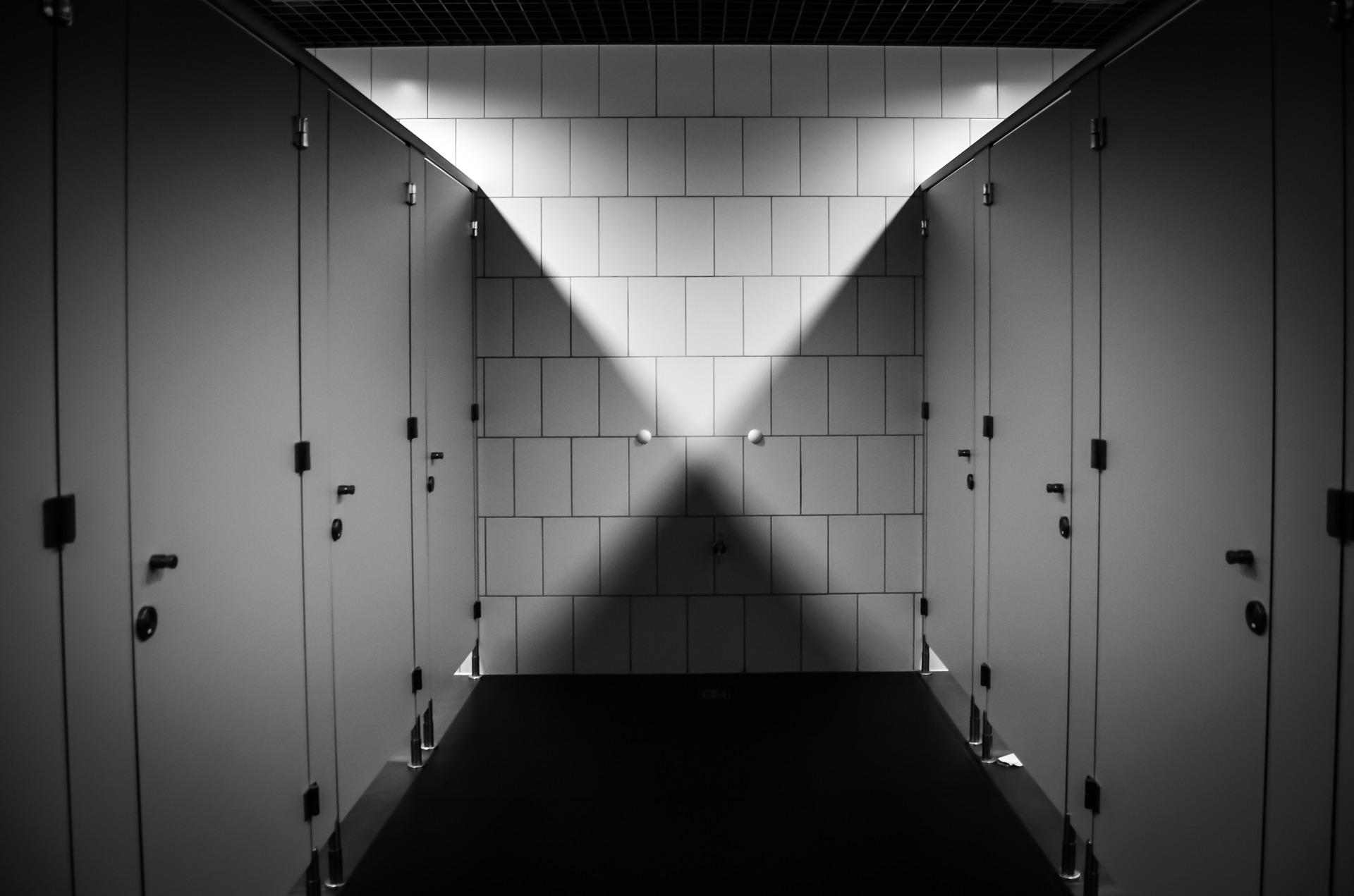 Svájcban pedig tilos a WC-t lehúzni 10 óra után bizonyos szállodákban 64fe676855