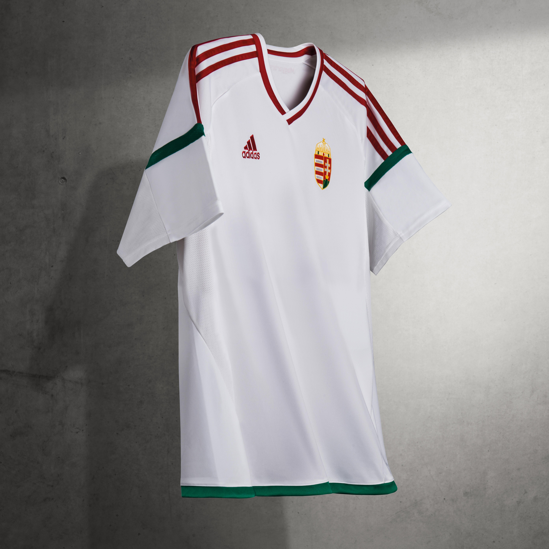 A magyar válogatott új mezei május 20-tól megvásárolhatók az Adidas  üzletekben és a partnereknél. 08254cf17a