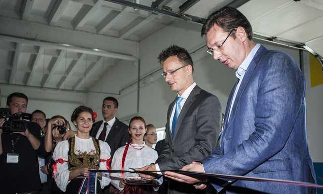 Erősödő szerb-magyar barátság a migránsválság közepén