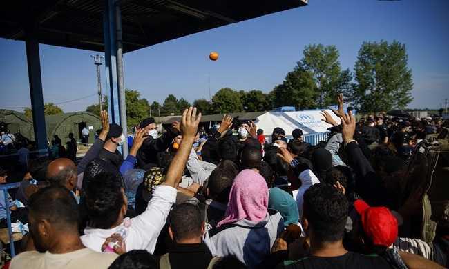 Horvátország: folyamatosan jönnek a migránsok