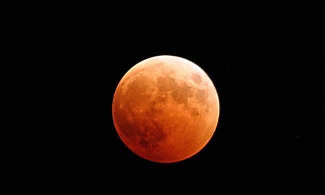 A század legkülönlegesebb jelensége jön este, mutatjuk mikor kell néznie az eget