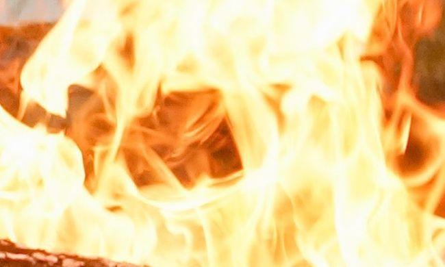 Tűz miatt kellett menekülniük a lakóknak