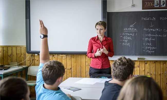 Hétfőtől sztrájkolhatnak a szlovák pedagógusok