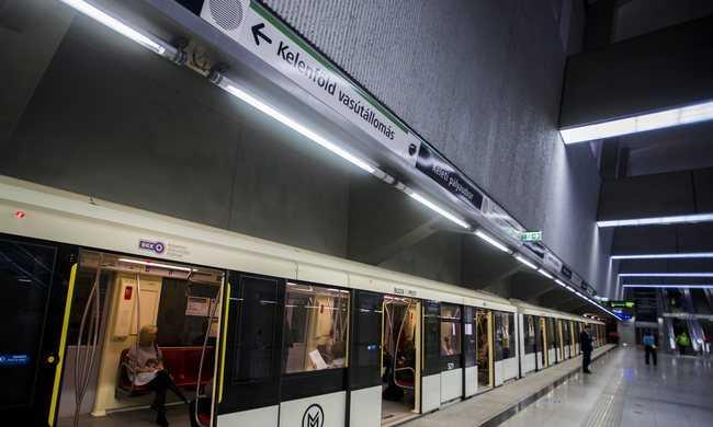 Szoftverhiba miatt állt a 4-es metró