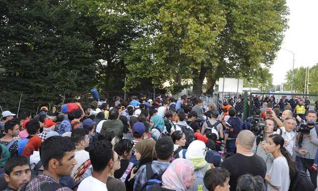 Mehetnek a migránsok, de csak Ausztriába és Németországba