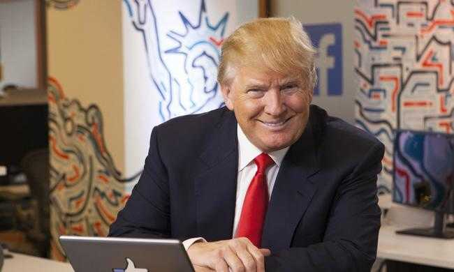 Izzadós vetélytársán gúnyolódik Trump