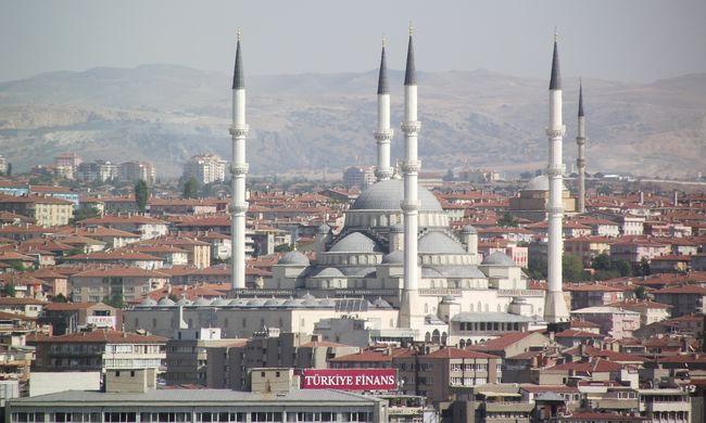 Sokkal kevesebb turista utazik Törökországba