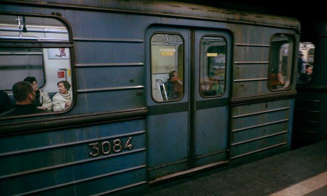 Füstölt az egyik kocsi, újra jár a 3-as metró