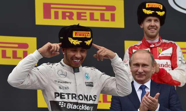 Räikkönen büntetésével a Mercedes megnyerte a csapat vb-t