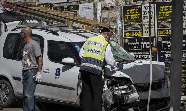 Újabb merényletek Izraelben, buszon lövöldöztek a reggeli csúcsban