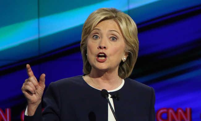 Hillary Clinton nyerte a tévévitát, Biden el sem ment