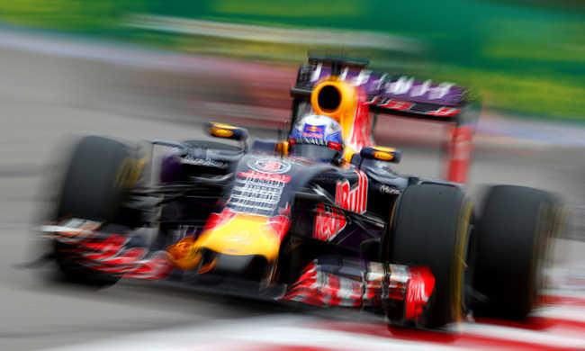 Nincs motor, kiszállhat a Red Bull a Forma1-ből
