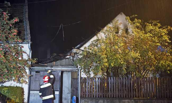 Egy ember meghalt a szobi tűzben