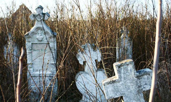 Morbid vagy modern? Digitális sírkövek virítanak a temetőkben