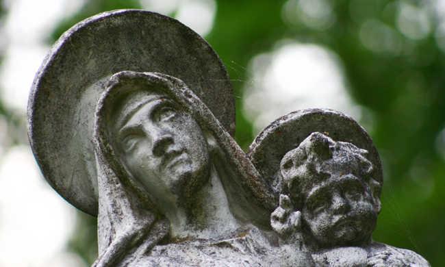 Templom előtt halt meg a forró kocsiban a kisgyerek
