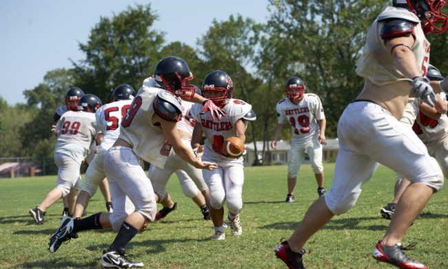 Megint meghalt egy középiskolás amerikai focista