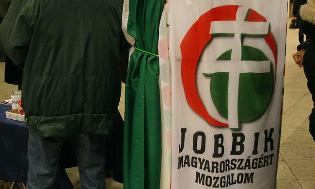 Kitiltanák a Jobbikot Szlovákiából