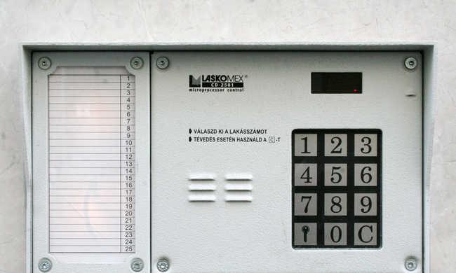 Álcsatornás házaló csalók járják Budapestet, nem szabad fizetni nekik