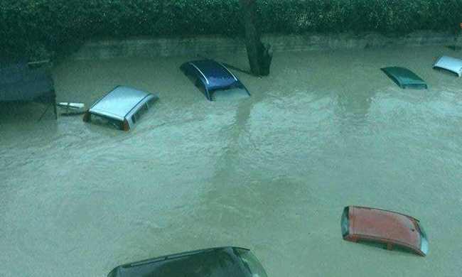 Eső miatt kihaltak az olasz városok