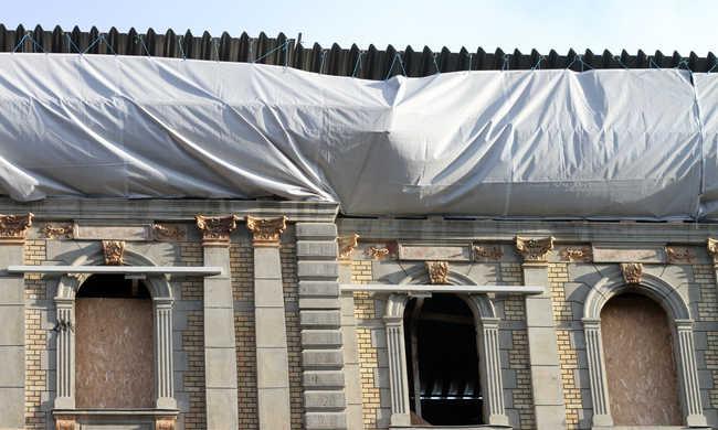 Egy befektető megoldhatná a leégett Kodály köröndi ház sorsát