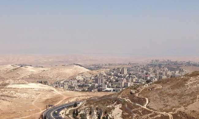 Munkát adnak a palesztinoknak, hogy csökkenjen a terror