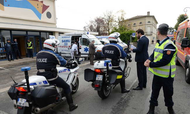 Legalább 42 halott egy buszbalesetben - kamionba rohantak egy francia kisvárosban