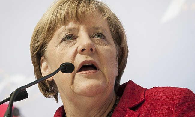 Merkel: a gazdasági bevándorlóknak haza kell menni
