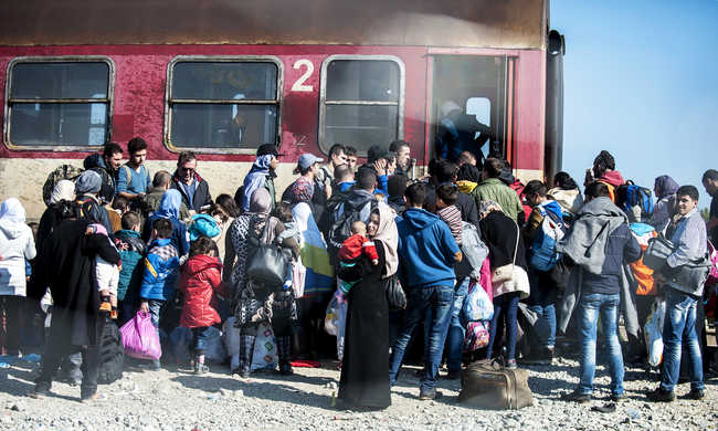 Szerbia nem engedi be az afgán migránsokat