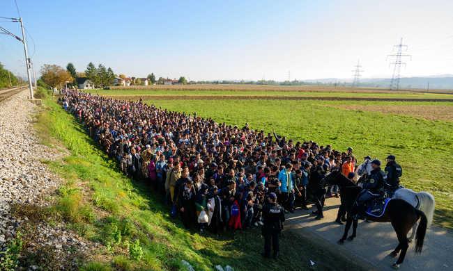 Európai vezetők szerint jobban kell védeni a határokat
