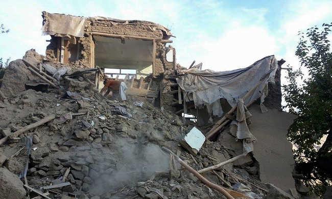 Több mint 200 halottja van az afganisztáni földrengésnek