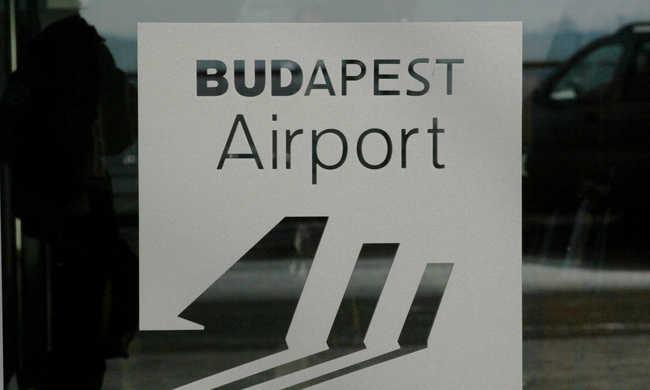 Töröltek egy Budapestre tartó gépet a merénylet miatt