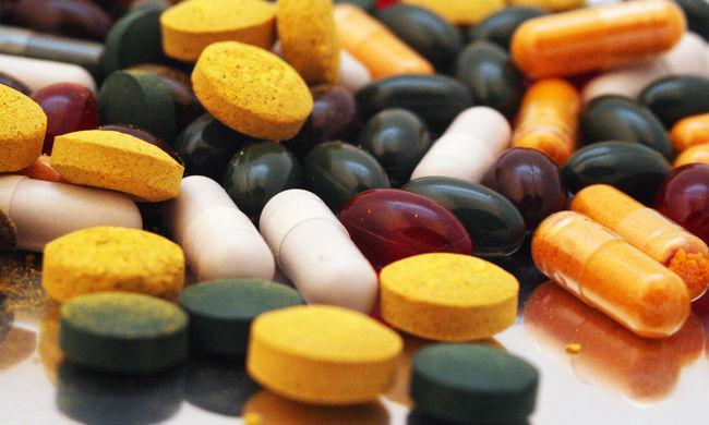 Milliárdokat költenek gyógyszertesztekre évente