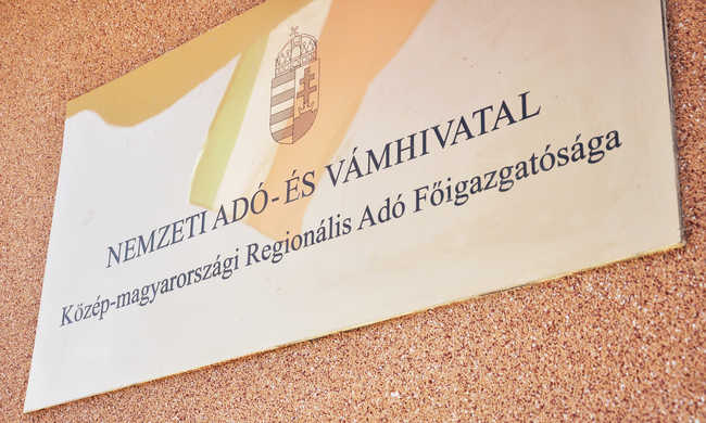 Holnapig kérhetünk segítséget a NAV-tól az adóbevalláshoz