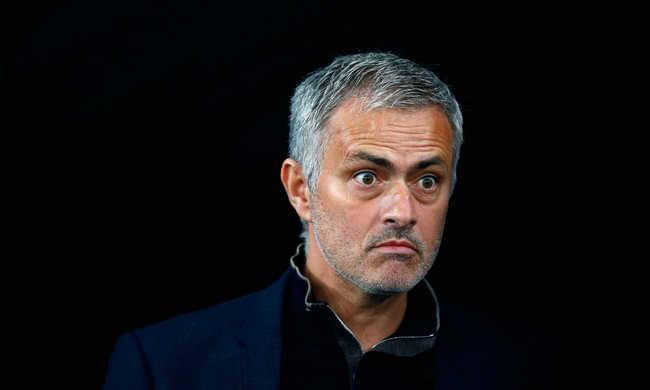 30 millió fontot kap Mourinho, ha kirúgják