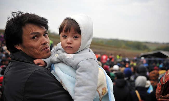 Rengeteg migráns az osztrák-német határon, ultimátumot adott a bajor miniszterelnök Angela Merkelnek