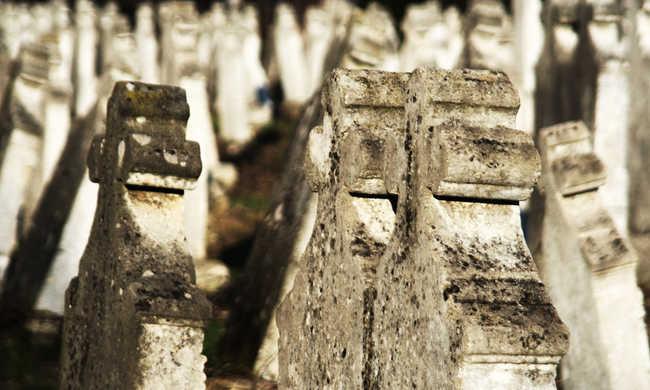 Kiment a temetőbe, és felakasztotta magát egy férfi
