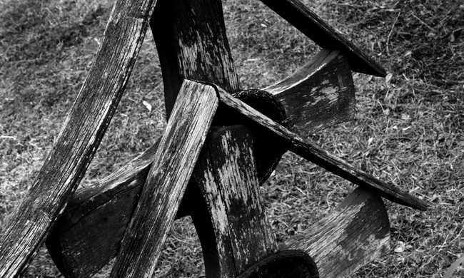 Döbbenet az asszony sírjában, ismeretlen emberszabású maradványaira bukkantak