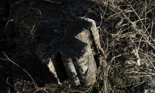 A sírból csörgött rá öccsére, hogy mentse meg az életét