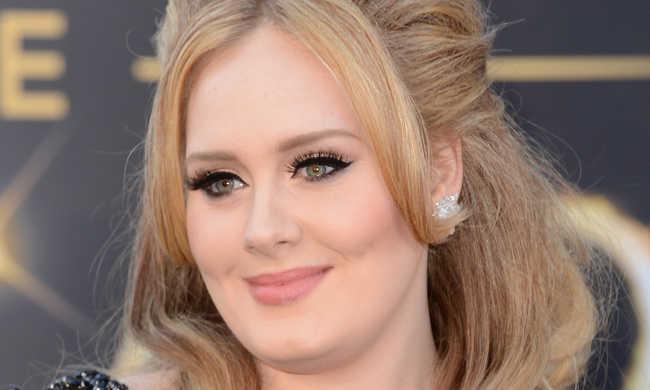 Három nap alatt döntött lemezeladási rekordot Adele