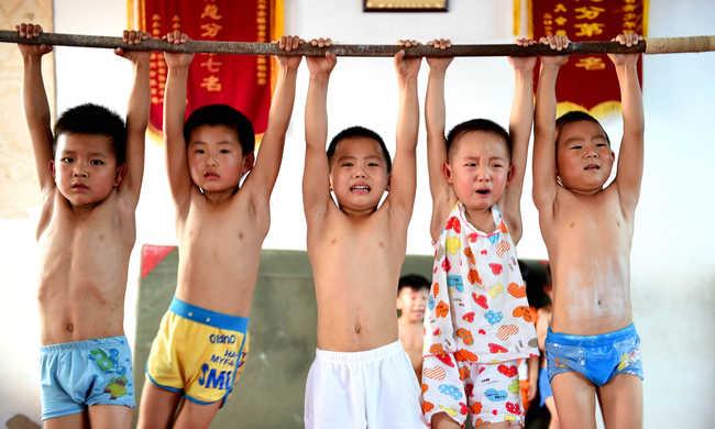 Szakított Kína az egykézéssel