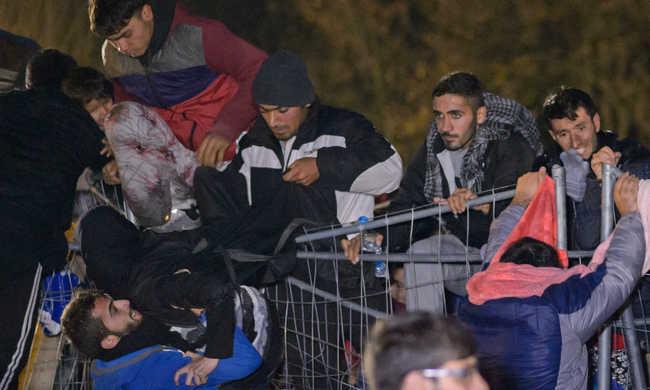 Fordulat Brüsszelben: jön a határzár