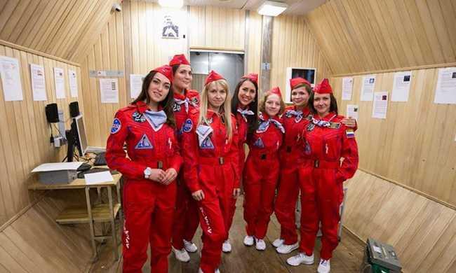 A sminkelésről és a férfiakról kérdezték a női űrhajósjelölteket
