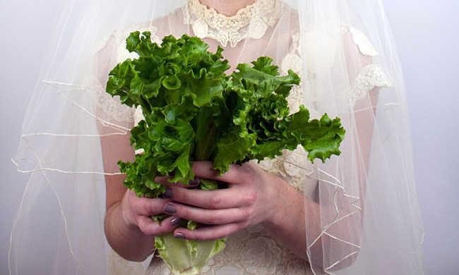 Kelkáposzta és brokkoli a menyasszonyi csokorban