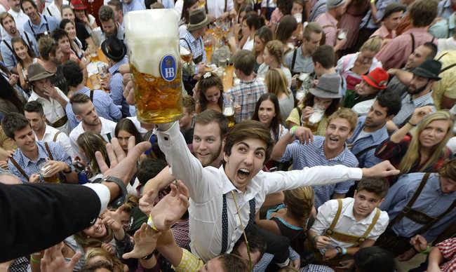 Tudósok: a sörtől jobb lesz a szex