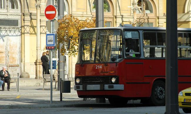 Lelassul a közlekedés Budapesten, hosszú várakozásra és tömegre készüljön