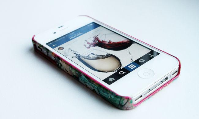 A mobilinternet váltja fel az SMS-ezést