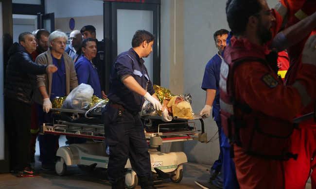 Tűzvész miatt haltak meg 27-en egy bukaresti klubban