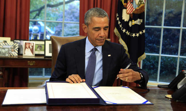 Obama aláírta a 2017 végéig érvényes költségvetési törvényt