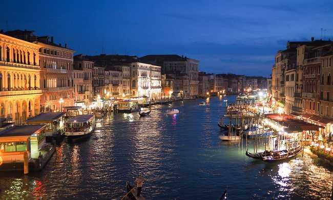 Csődben: megadóztatná a tengerjárókat Velence