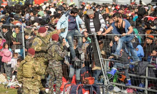3 millió migráns jön Európába 2017-ig
